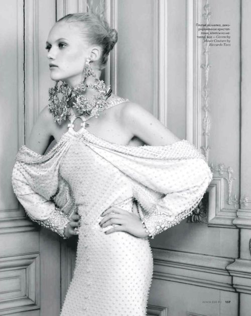 Elle Russia April 2012 | Givenchy Haute Couture
