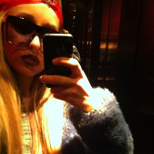 buzzfeedceleb:  Public Service Announcement: Amanda Bynes is back on twitter, instagram  Thank goodness.