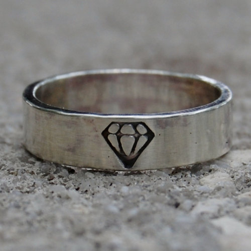 axon-axoff:  This would be a great engagement ring for proposing to your boyfriend (or edgy girlfriend). (by lovestrucksoul on etsy)