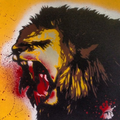 @regs802 is a beast! #theshop #stencils #spraypaint #lion #noizeclothing #dope #art #regs #fresh