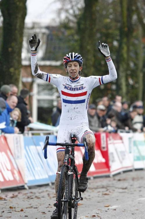 Internationale Superprestige Gieten 2012: Helen Wyman (Kona) Dropped Marianne Vos And Soloed To Victory At SuperPrestige Gieten, Photos | Cyclingnews.com 1.   Helen Wyman (GBr) Kona, 0:36:352.   Marianne Vos (Ned) Rabobank, + 0:383.   Sanne Cant (Bel) Veldritacademie Enertherm - BKCP, + 01:114.   Sanne van Paassen (Ned) Rabobank, + 01:325.   Sabrina Stultiens (Ned) Rabobank, + 02:136.   Pavla Havlikova (Cze) Young Telenet Fidea, + 02:217.   Annefleur Kalvenhaar (Ned) Giant Dealerteams, + 02:548.   Reza Hormes-Ravenstijn (Ned) Orange Babies, + 03:579.   Yara Kastelijn (Ned) RTC Buitenlust, + 03:5810. Jamie Bierens (Ned) TWC De Kempen, s.t. Race report and full result on Cyclingnews More photos of the race on Cyclingnews
