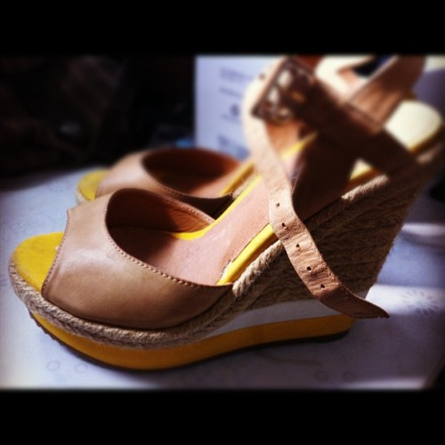 My gorgeous #yellow #aldo #shoes :) #wedge #iphonesia