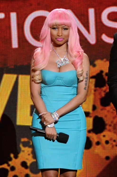 Nicki Minaj is playing the blame game. The raptress' new album, Pink Friday: Roman Reloaded — The Re-Up, is slacking in sales. Why? Minaj is pointing the finger at the big-name retailers.   Read what else she said by clicking the image above!