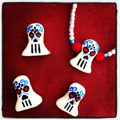 #Hand #Crafted #GLOW in the #dark @GlowingSkull #beads #concept #design #sculpt #painted by @DeniseVasquez