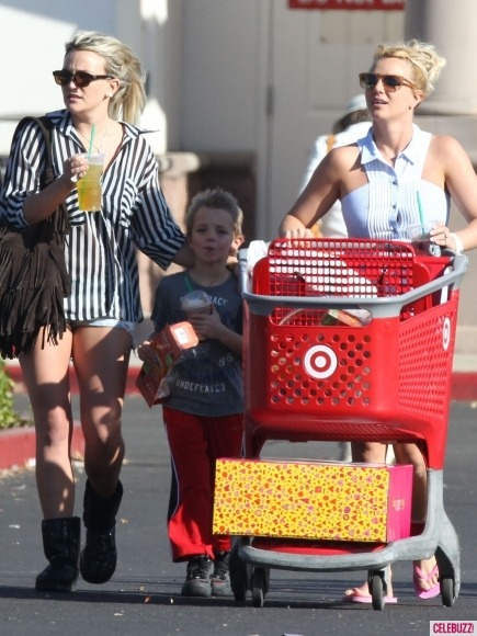 Singer Britney Spears and her sister Jamie Lynn Spears go on a shopping spree! See where they spent the afternoon in our gallery here: