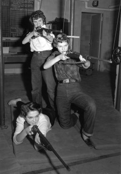 1954 girls rifle team
