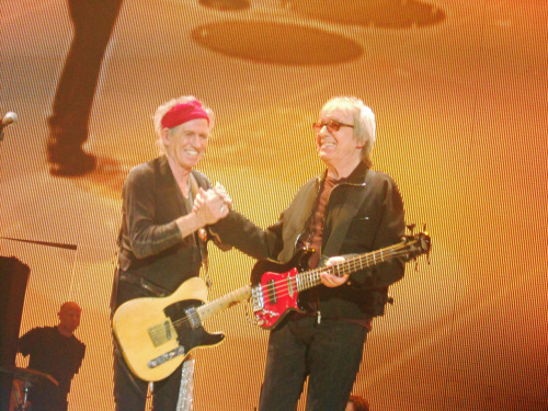 trudiesledge:  Keith Richards & Bill Wyman 25th November 2012 The O2, London     OMG! I would have never recognized Bill Wyman!!