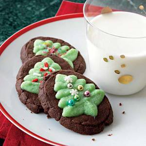 Daily Bite: Chocolate Mint Evergreen Christmas Tree Cookies