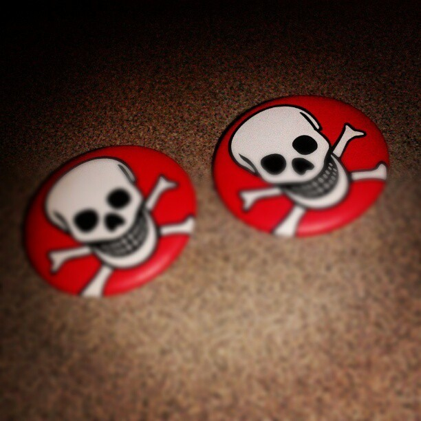 marjiecrisis:  Look what my lil sis gave me and Jules! #pin #skullpin #skull #lilsis - @marjiecrisis- #webstagram