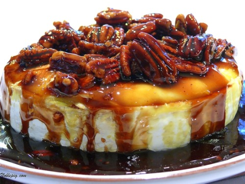 mybakingobsession:  Kahluah-Pecan-Brown Sugar Baked Brie (Recipe)