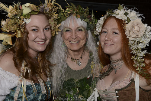 faerieworlds:  Here's a great picture of some beautiful faerie ladies from FaerieCon East 2012!Photography © Steven Schultz