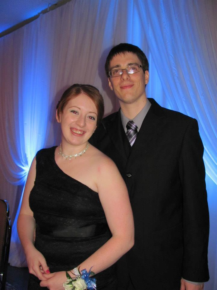 Nick and I at my best friend's wedding this weekend. Had such a blast, I wish we could have great parties (with food and booze and fancy clothes) like that more often. :) :)