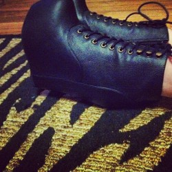i'm dying. best boyfriend. best shoes. best birthdaY. @jeffreycampbell #jcgirls