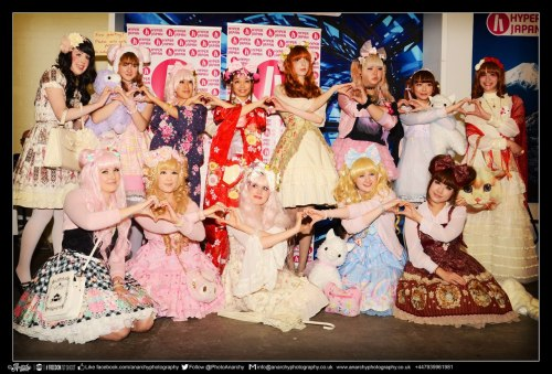 Group photo of HYPER JAPAN 'Kawaii Style' Japanese Street Fashion Show organised by yours truly. Here's a group photo at the photo corner of all us and the lovely prize donators Michelle and Rosanna! Photo credit: Anarchy Photography
