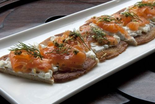 Marinated Salmon on Blinis Pancake Love pancakes? ℉⍥ℓℓ⍥ẘ ⌘