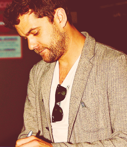 20 favorite photos of Joshua Jackson » 2/20