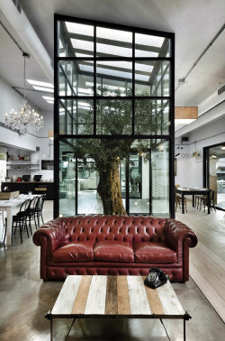 aros:  Modern and Surprising Kook Restaurant & Pizzeria Design in Rome