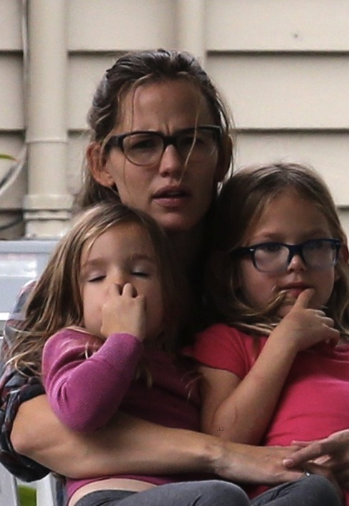 Look who got new glasses! Violet Affleck's latest spectacles are actually pretty flattering and trendy, although they are still glasses, and she is still a big nerd.