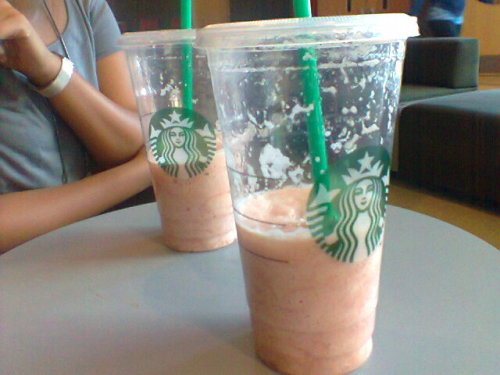 this strawberry lemonade mix from starbucks was amazing!!!