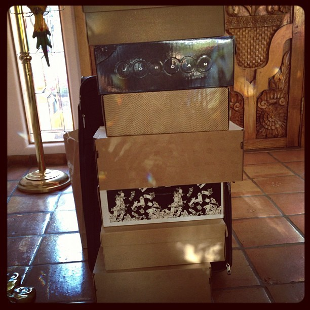 Mobile shoe unit packed and headed back to #LA