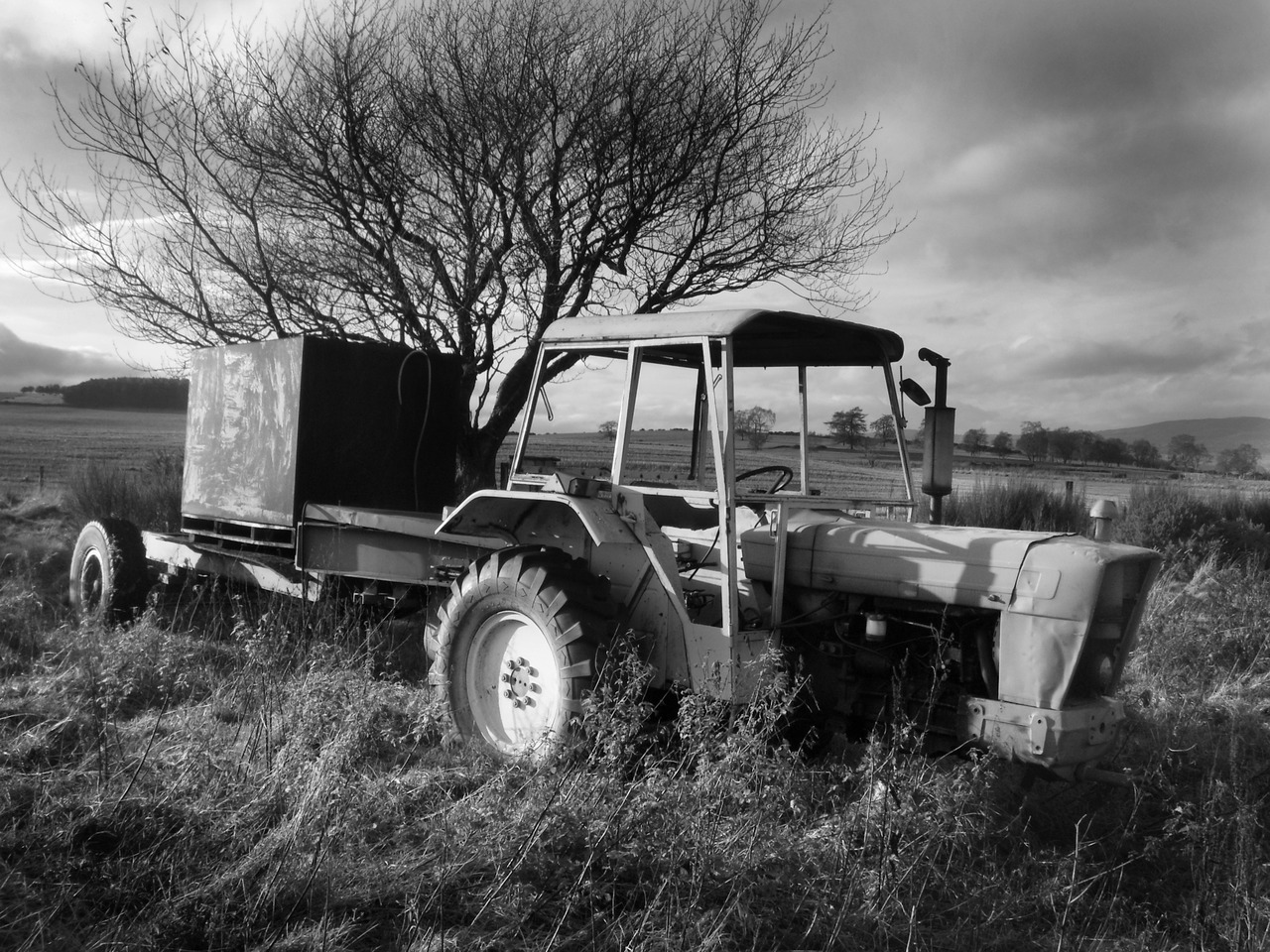 Derelict tractor…photo by Iain Robinson