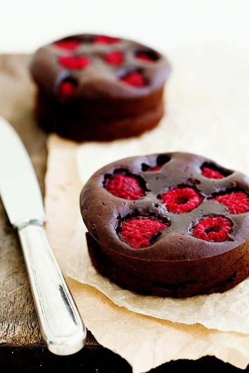 emilanton:  Dark Chocolate & Raspberry Brownie Tarts