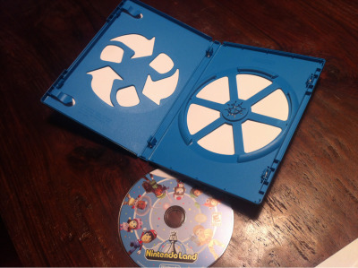 Plastic saving Wii-U disc case.