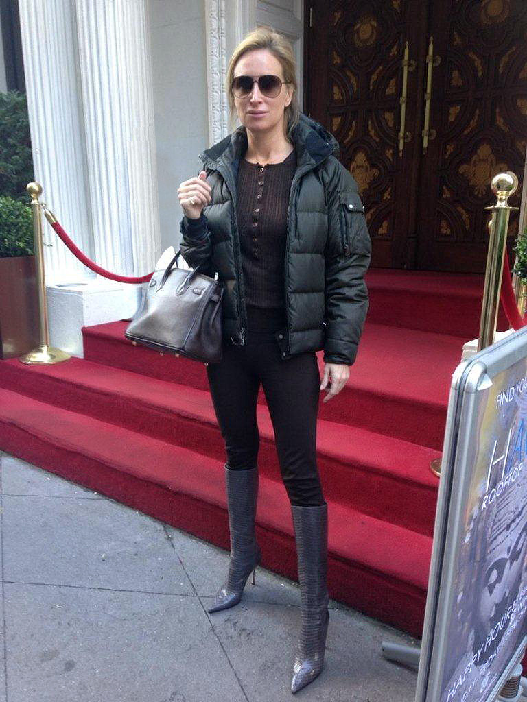 Sonja Morgan looks great in the Velvet Preacher!