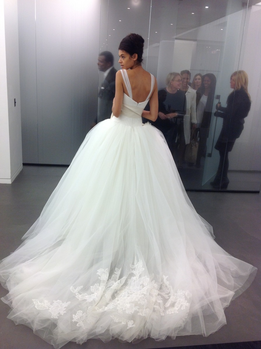 thvgzmansion:   Vera Wang 2011 Bridal  I really can't express how perfect this is