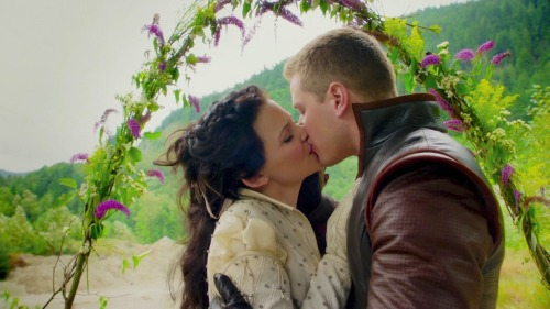 day 12 Favorite kiss #OUATchallenge