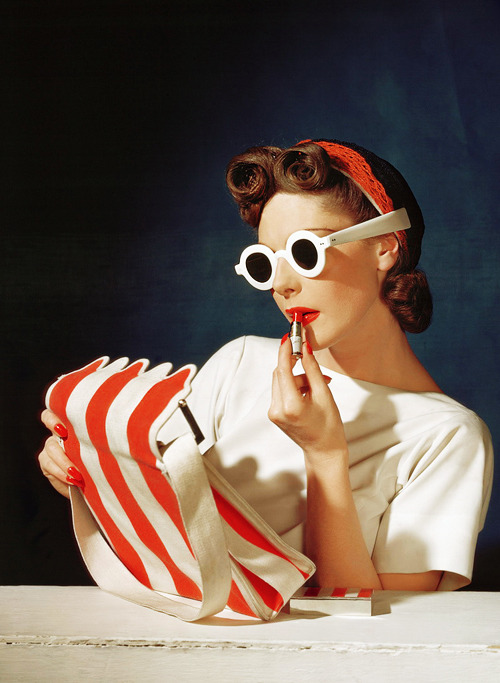 vintagegal:  Muriel Maxwell in Vogue 1939, photo by Horst P Horst