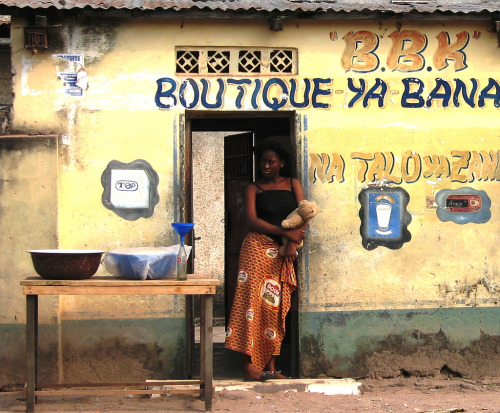 mazungu:  Democratic Republic of Congo (by Alf Gillman)