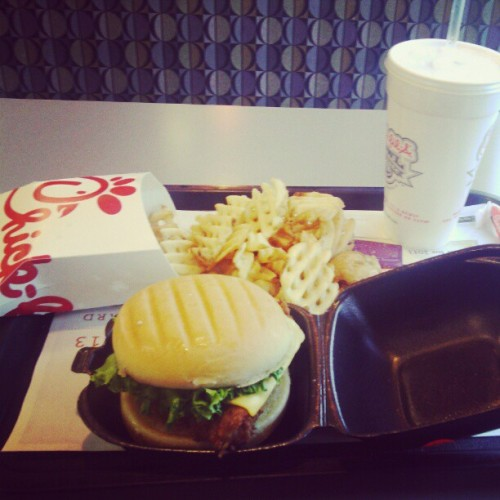Chick-fil a with my bitch @avihamilton <3