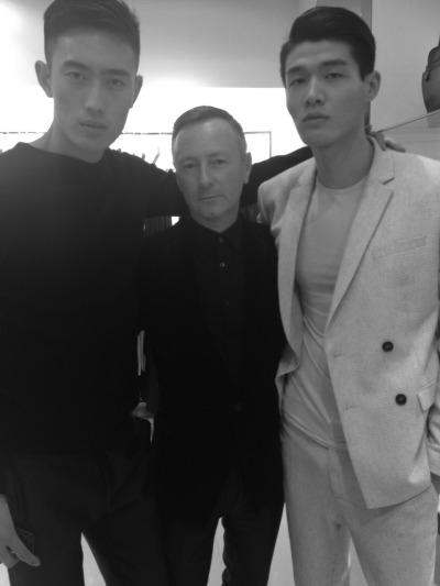 ck Calvin Klein Global Creative Director Kevin Carrigan with a few of the models.
