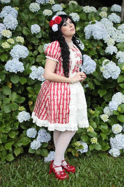 "annechan:  Me at ""PicNic Vitoriano 2012"" <3 Op and Shoes = Bodyline~"