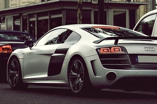johnny-escobar:  Matte White Audi R8 GT
