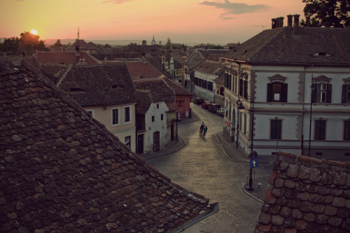 -cityoflove:  Sibiu, Romania via spoe.  http://www.flickr.com/photos/thefuckingpope/3817635324/in/photostream/