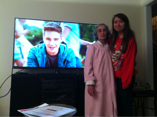 popthechampayne:  brought my boyfriend over to my grandmothers house :)))