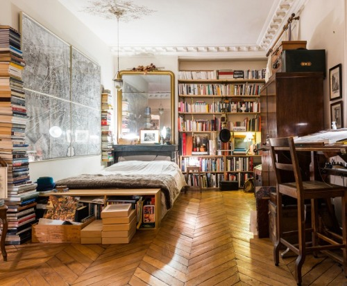 amandaonwriting:  Apartment in Paris