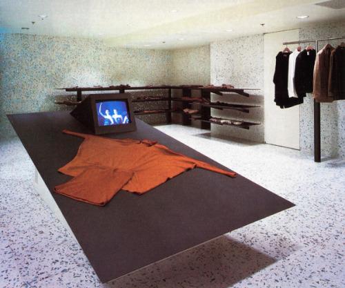 aqqindex:    Shiro Kuramata, Issey Miyake Store Interior, 1985