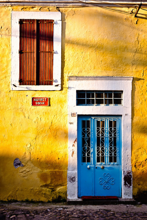 travelingcolors:  Cunda Island, near Ayvalik | Turkey (by Mark.Songhurst)