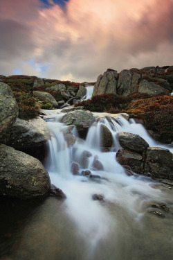 Charlottes Waterfall by Tim Donnelly (TimboDon) on Flickr.