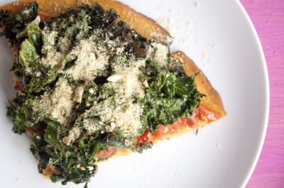 sustainable-sam:  Kale Pizza with Sweet Potato Crust  WHOA.