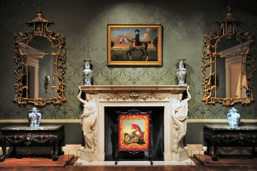 New York Metropolitan Museum of Art Living Room and Fireplace