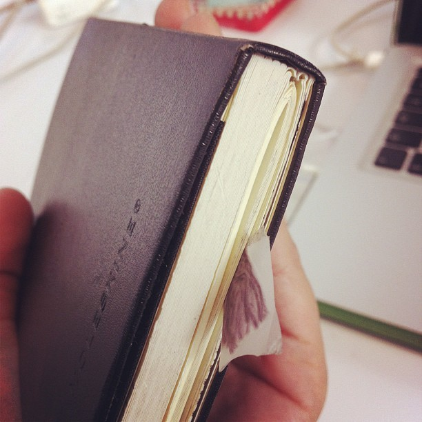 A veces debo reparar mis moleskines #art #sketchbook #moleskine #life #blog #ideas #instagood #mexico #mty #mextagram #cool #creative