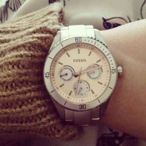 My Lovely new Fossil watch in a pastel pink! Am in love!