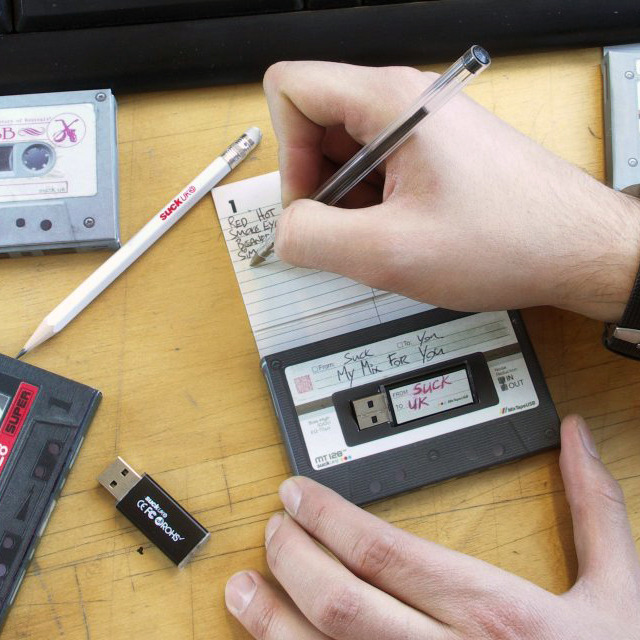 billidollarbaby:  Mix Tape USB Drive Remember in the days before digital music and MP3 players? If you do then you probably made compilations of all your favorite music to share with your friends and loved ones on good old fashioned blank cassette tapes. If you miss making mix tapes this product will inspire you again