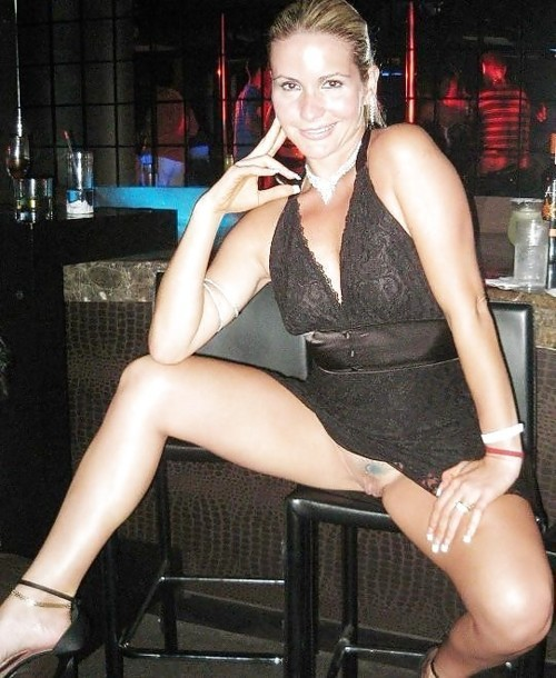 thesexualgourmet:  Nice nightclub pussy flash by married MILF… http://thesexualgourmet.tumblr.com/ Shared-wife, MILF & Hotwife self-submissions welcomed
