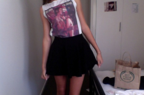 miley-and-lana:  my lana top came! :))