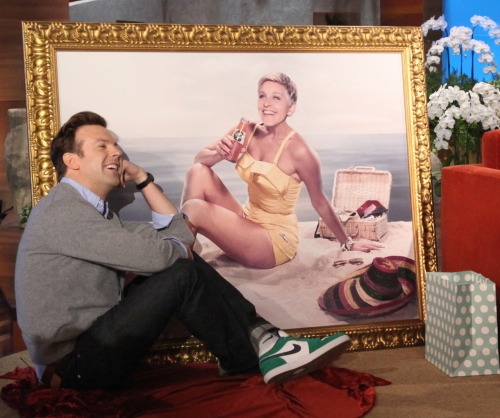 Jason Sudekis enjoying his new gift.
